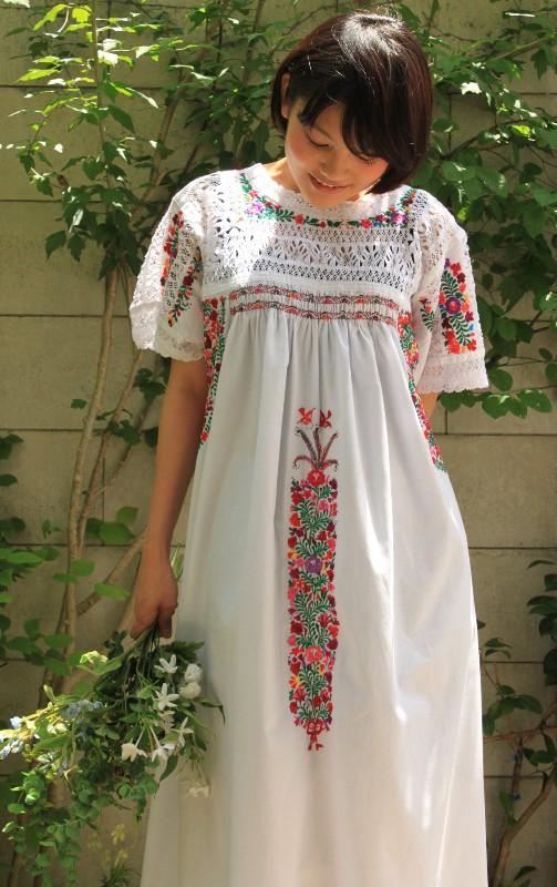mexican-embroidred-dress