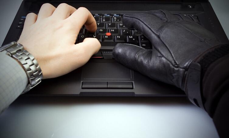 外贸骗术6)黑客侵入监视邮件修改银行账号